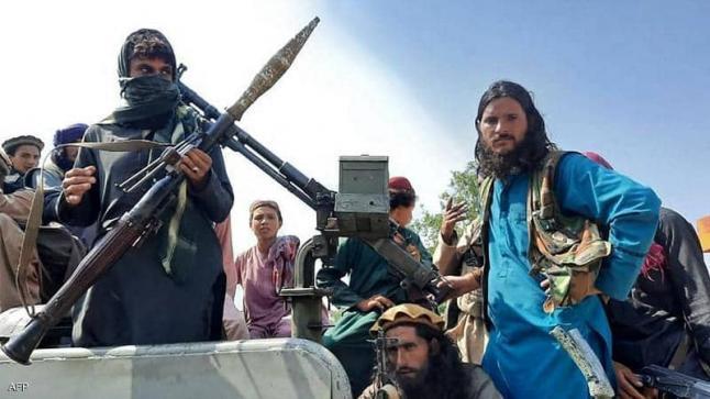 تدهور كبير العملة الأفغانية أمام الدولار مع سيطرة طالبان على السلطة