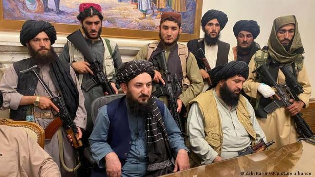واشنطن: طالبان وعدت بعبور آمن للمدنيين إلى المطار .. ومجاهد: لن ننتقم